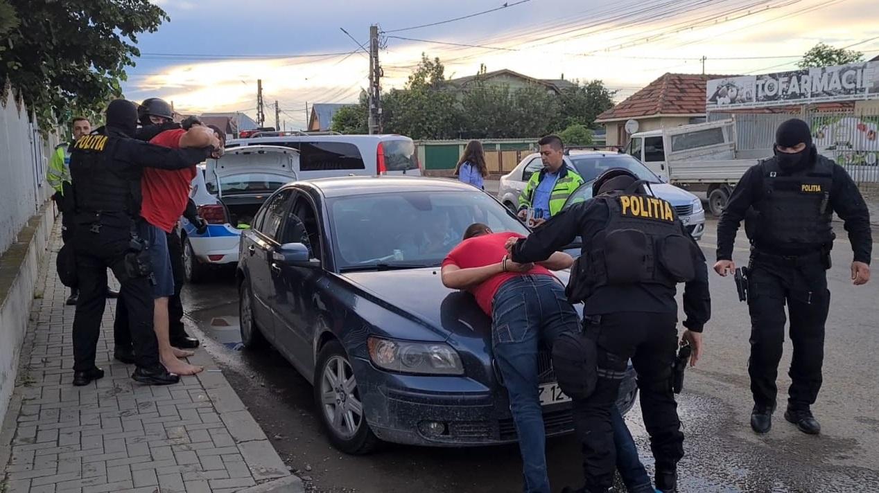 VIDEO Agresorii Activistului Buzoian, eliberați din arest de către judecătorii din Prahova