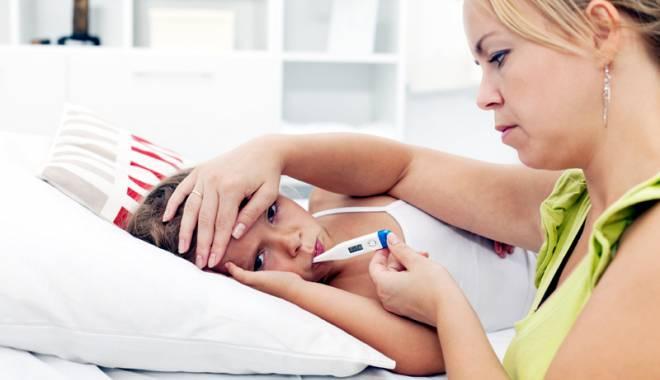Val de enteroviroze în rândul copiilor. Medic: mulți dintre părinți au abandonat regulile de igienă